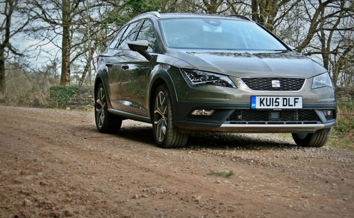 2015 Seat Leon X Perience Review front right low Carwitter 700x432 - Seat Leon X-Perience Review - Rugged Lifestyle - Seat Leon X-Perience Review - Rugged Lifestyle