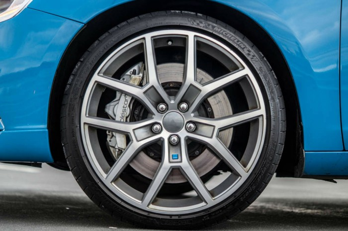 Volvo V60 Polestar Review Alloys Carwitter 700x465 - Volvo V60 Polestar Review – Savage Swede - Volvo V60 Polestar Review – Savage Swede