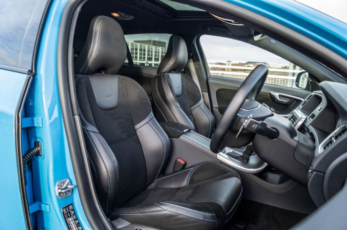 Volvo V60 Polestar Review Front Seats Carwitter 700x465 - Volvo V60 Polestar Review – Savage Swede - Volvo V60 Polestar Review – Savage Swede