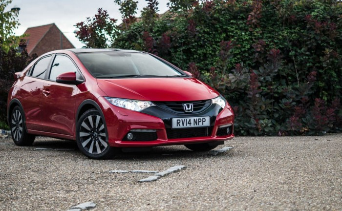 2015 Honda Civic 1.6 iDtec Review Front Angle Low Carwitter 700x432 - 2015 Honda Civic 1.6 i-DTEC Review - 2015 Honda Civic 1.6 i-DTEC Review