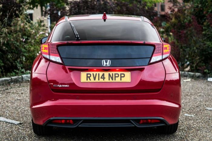 2015 Honda Civic 1.6 iDtec Review - Rear - Carwitter