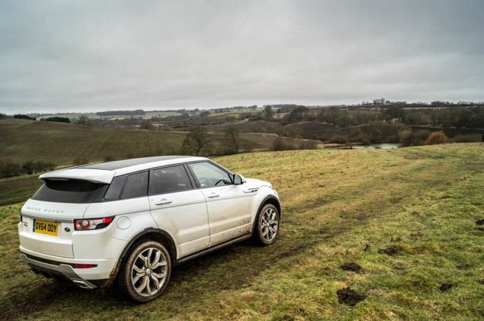 2015 Range Rover Evoque Autobiography 4WD Review - Off Road Scene - Carwitter