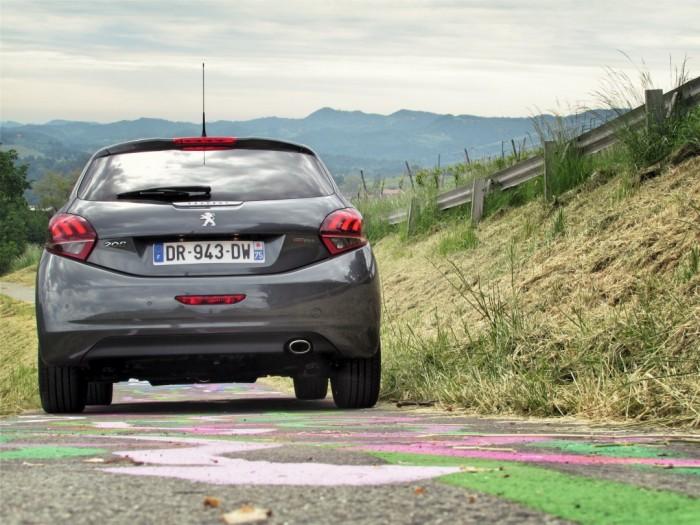 Peugeot,208,Facelift,2015,Carwitter12