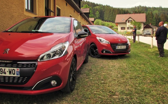 Peugeot208Facelift2015Carwitter2 e1434215882323 700x432 - 2015 Peugeot 208 Review - Fresh Faced - 2015 Peugeot 208 Review - Fresh Faced