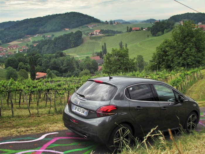 Peugeot,208,Facelift,2015,Carwitter8