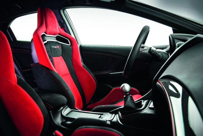 2015 Honda Civic Type R Front Seats Interior carwitter 700x467 - 2015 Honda Civic Type R  Review – VTEC, but not as we know it - 2015 Honda Civic Type R  Review – VTEC, but not as we know it