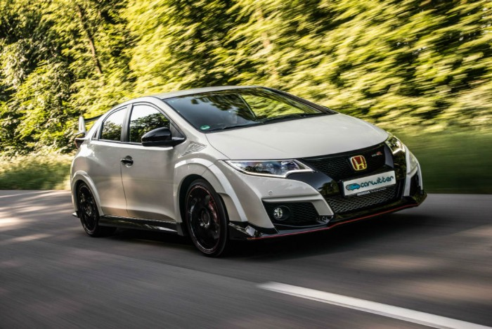 2015 Honda Civic Type R Front Tracking Close carwitter 700x468 - 2015 Honda Civic Type R  Review – VTEC, but not as we know it - 2015 Honda Civic Type R  Review – VTEC, but not as we know it