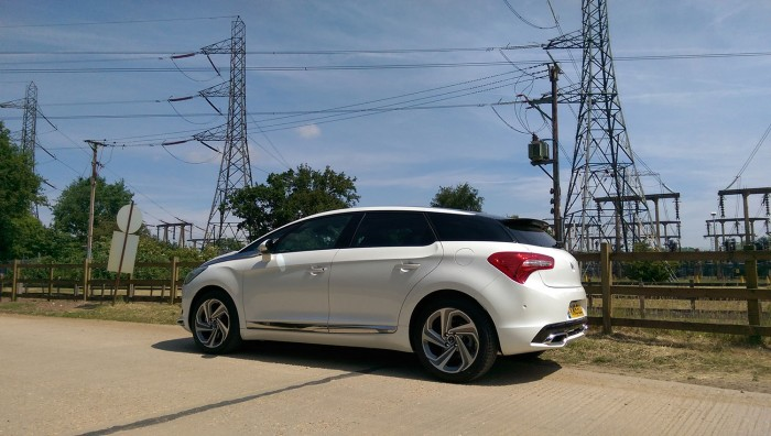 DS 5 Review UK First Drive Rear Side 700x396 - 2015 <del>Citroën</del> DS 5 Review - A brand launcher? - 2015 <del>Citroën</del> DS 5 Review - A brand launcher?