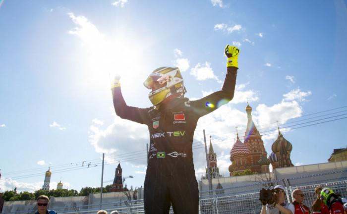 Formula E Moscow Piquet Jr Celebration 700x432 - Formula E - Moscow - Piquet Jr Extends Championship Lead - Formula E - Moscow - Piquet Jr Extends Championship Lead