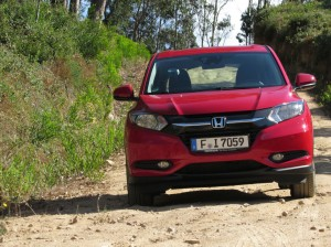 2015 Honda HRV Review Front Close carwitter 300x224 - 2015 Honda HR-V Review - Qashqai killer? - 2015 Honda HR-V Review - Qashqai killer?