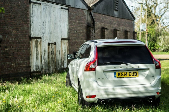 2015 Volvo XC60 RDesign D4 Review Rear Angle carwitter 700x465 - 2015 Volvo XC60 Review – Stable Swede - 2015 Volvo XC60 Review – Stable Swede