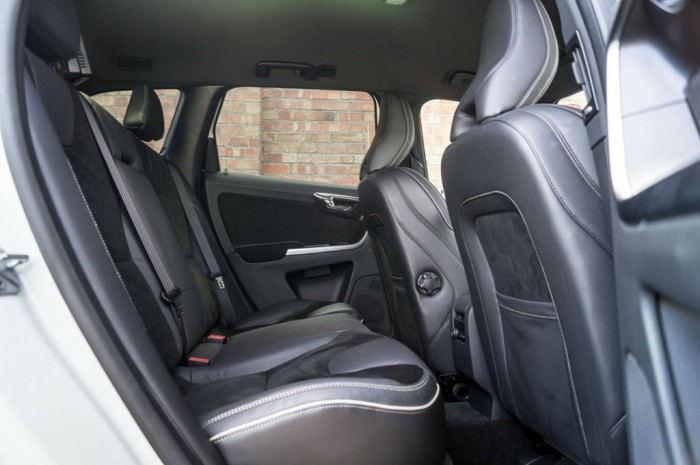2015 Volvo XC60 RDesign D4 Review Rear Seats carwitter 700x465 - 2015 Volvo XC60 Review – Stable Swede - 2015 Volvo XC60 Review – Stable Swede