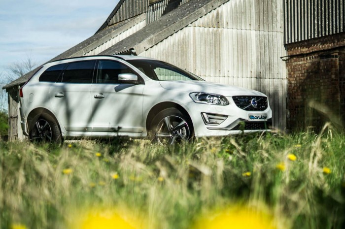 2015 Volvo XC60 RDesign D4 Review Side Scene carwitter 700x465 - 2015 Volvo XC60 Review – Stable Swede - 2015 Volvo XC60 Review – Stable Swede