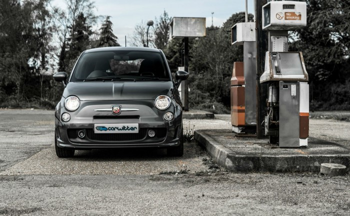 Fiat Abarth 500 595 Review Front Scene carwitter 700x432 - Abarth 500 595 Review – Pocket Rocket - Abarth 500 595 Review – Pocket Rocket