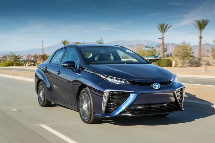 Toyota Mirai - Hydrogen - Front - carwitter