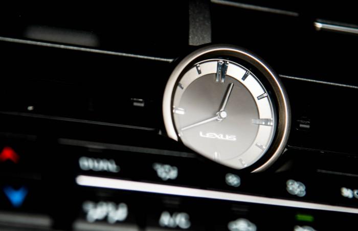 2015 Lexus NX 300h Review Dash Clock Detail carwitter 700x452 - 2015 Lexus NX 300h Review – Futuristic luxury - 2015 Lexus NX 300h Review – Futuristic luxury