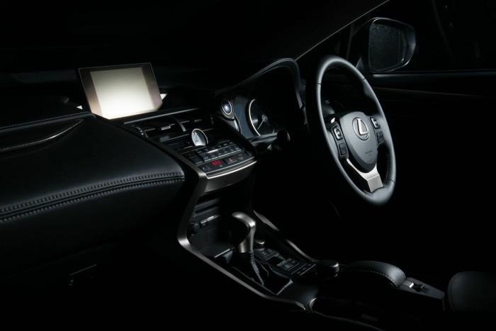 2015 Lexus NX 300h Review Dashboard carwitter 700x467 - 2015 Lexus NX 300h Review – Futuristic luxury - 2015 Lexus NX 300h Review – Futuristic luxury