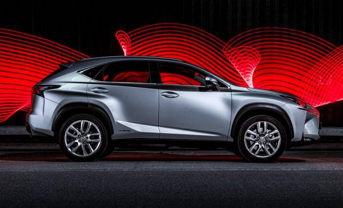 2015 Lexus NX 300h Review Side carwitter 700x425 - 2015 Lexus NX 300h Review – Futuristic luxury - 2015 Lexus NX 300h Review – Futuristic luxury