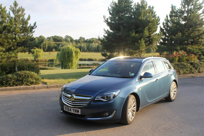 2015 Vauxhall Insignia review front corner carwitter 700x466 - 2015 Vauxhall Insignia Sports Tourer review - 2015 Vauxhall Insignia Sports Tourer review