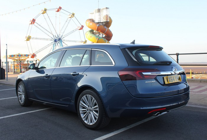 2015 Vauxhall Insignia review rear corner cleethorpes carwitter 700x474 - 2015 Vauxhall Insignia Sports Tourer review - 2015 Vauxhall Insignia Sports Tourer review