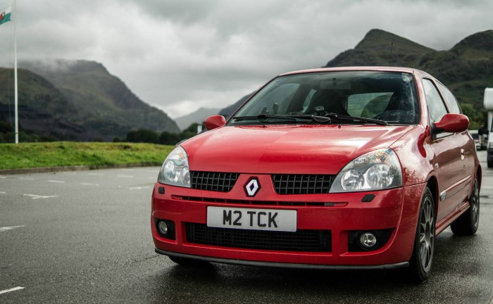 2005 RenaultSport Clio Trophy Front Angle carwitter 700x432 - A guide to selling a private number plate - A guide to selling a private number plate