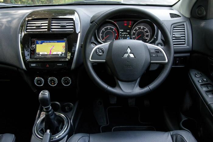 2015 Mitsubishi ASX 4WD - Dashboard - carwitter
