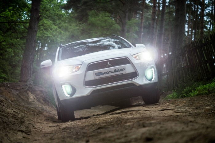 2015 Mitsubishi ASX 4WD - Review - Front Low - carwitter