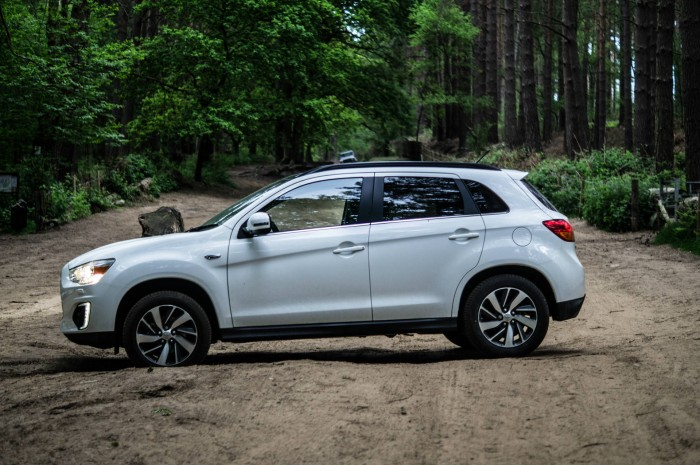 2015 Mitsubishi ASX 4WD - Review - Side - carwitter