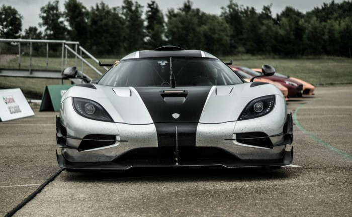 Koenigsegg One 1 Front carwitter 700x432 - The problem with supercars. - The problem with supercars.