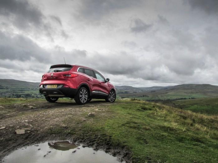 Renault Kadjar Review - Rear Angle Scene - carwitter