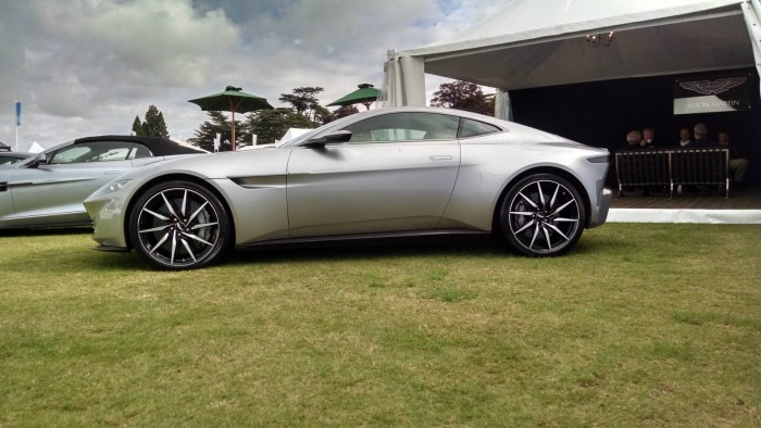 Salon Prive 2015 Review Aston Martin DB10 James Bond Side On carwitter 700x394 - Salon Privé 2015 - New location, better than ever - Salon Privé 2015 - New location, better than ever