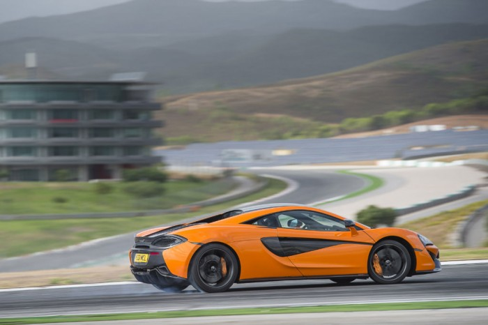 McLaren 570S - Side Motion