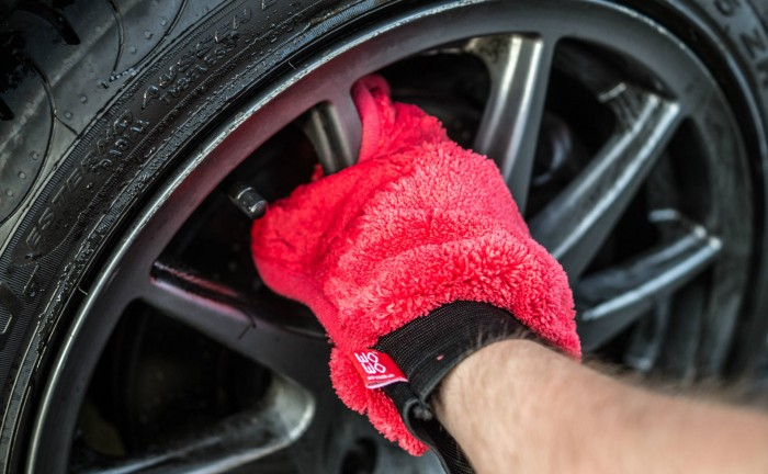 Wo Wo Detailing Cleaning Review 9 carwitter 700x432 - 43% of Brits too lazy to wash their own car! - 43% of Brits too lazy to wash their own car!