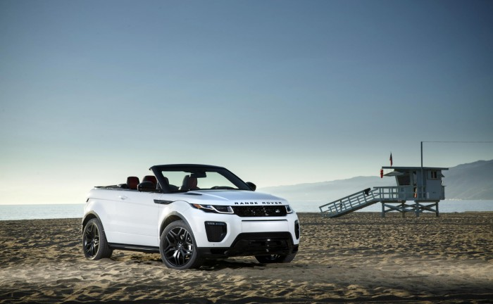 2016 Range Rover Evoque Convertible Front Angle carwitter 700x432 - Evoque Convertible on its way! - Evoque Convertible on its way!
