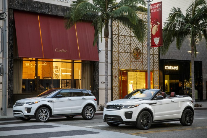 2016 Range Rover Evoque Convertible - Scene - carwitter