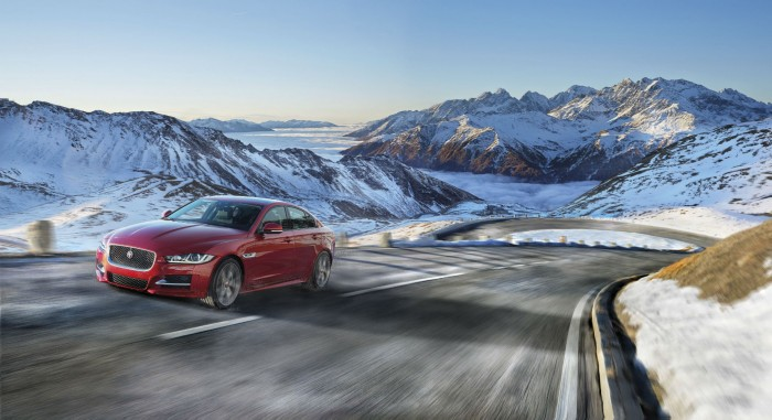 2017 Jaguar XE AWD Snow Scene carwitter 700x381 - Challenging Weather: 7 Tips to Stay Alert on the Road - Challenging Weather: 7 Tips to Stay Alert on the Road