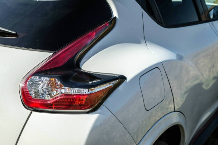 Nissan Juke NISMO RS Review Facelift Rear Light carwitter 700x465 - Nissan Juke Nismo RS Review – Refined - Nissan Juke Nismo RS Review – Refined