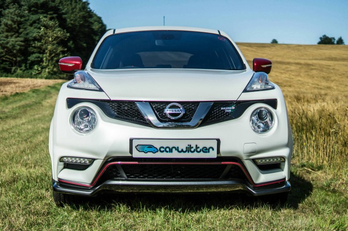 Nissan Juke NISMO RS Review Front Low carwitter 700x465 - Nissan Juke Nismo RS Review – Refined - Nissan Juke Nismo RS Review – Refined