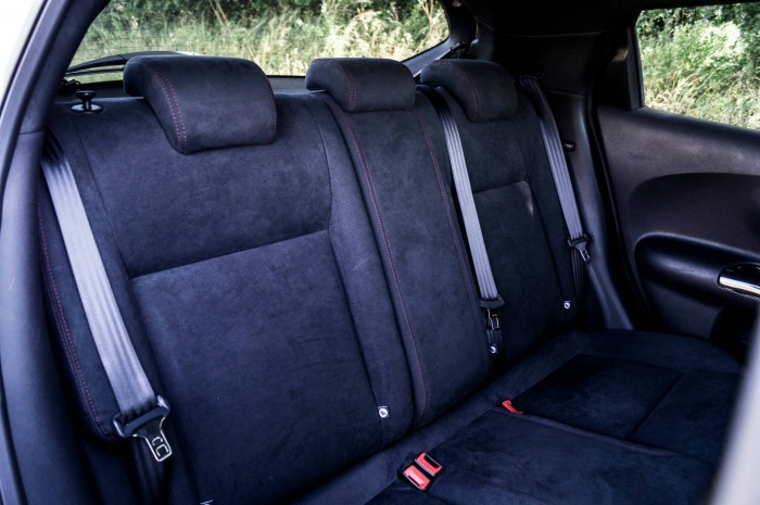 Nissan Juke NISMO RS Review Rear Seats carwitter 700x465 - Nissan Juke Nismo RS Review – Refined - Nissan Juke Nismo RS Review – Refined