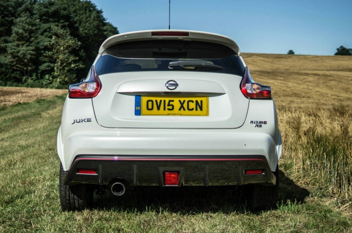 Nissan Juke NISMO RS Review Rear carwitter 700x465 - Nissan Juke Nismo RS Review – Refined - Nissan Juke Nismo RS Review – Refined