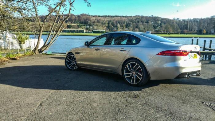 2016 Jaguar XF Review - Side - carwitter