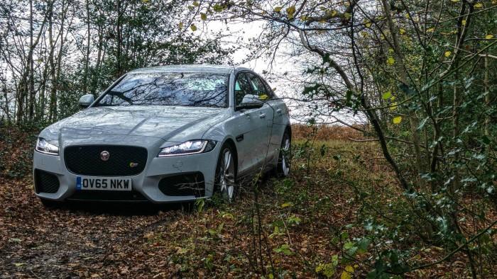 2016 Jaguar XF S Review - Front Scene - carwitter