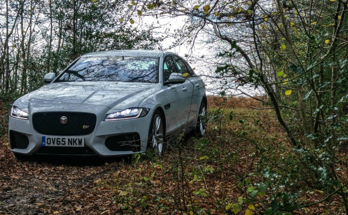 2016 Jaguar XF S Review Front Scene carwitter 700x432 - 2016 Jaguar XF Review - Watch out BMW - 2016 Jaguar XF Review - Watch out BMW