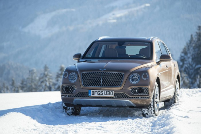 Bentley Bentayga Kitzbühel Front Carwitter 700x466 - Why are crossover SUV's so popular? - Why are crossover SUV's so popular?