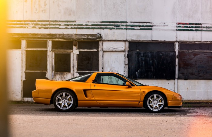 2005 Honda NSX - Imola Orange - Side On - carwitter