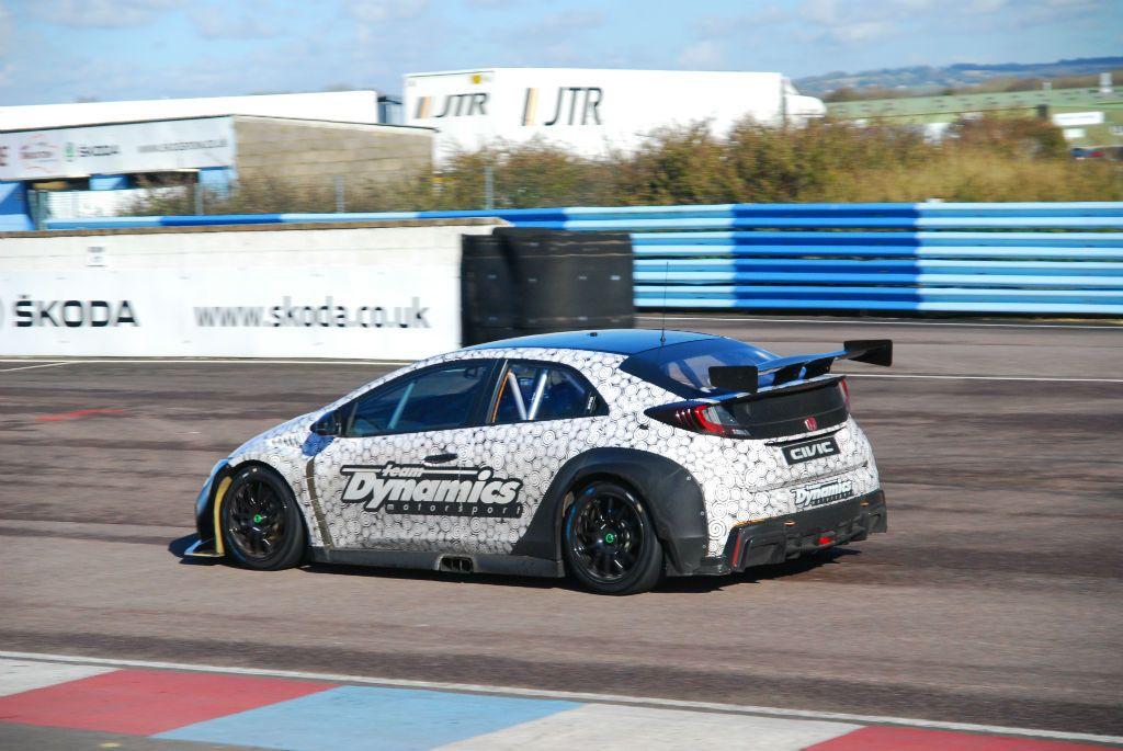 BTCC 16 Test Thrux Shedden Honda 2 - Honda's 2016 BTCC Challenger Hits The Track - Honda's 2016 BTCC Challenger Hits The Track