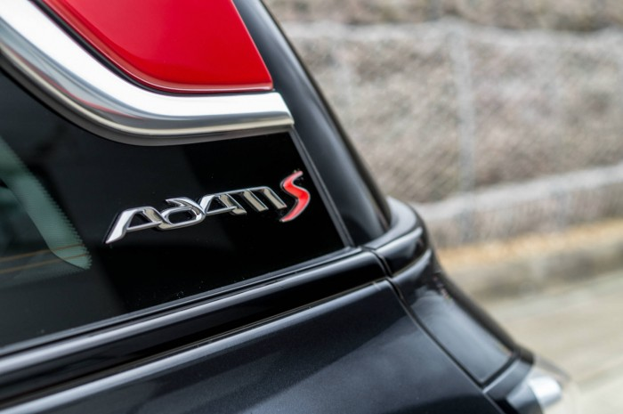 Vauxhall ADAM S Review - Badge - carwitter