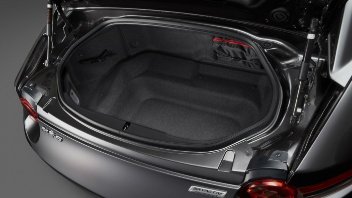 2016 Mazda MX 5RF Boot Space carwitter 700x394 - Fifth gen Mazda MX-5 gets a hard top - MX-5 RF breaks cover - Fifth gen Mazda MX-5 gets a hard top - MX-5 RF breaks cover