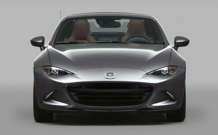 2016 Mazda MX 5RF Front carwitter 700x433 - Fifth gen Mazda MX-5 gets a hard top - MX-5 RF breaks cover - Fifth gen Mazda MX-5 gets a hard top - MX-5 RF breaks cover
