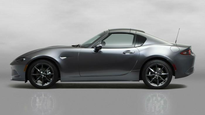 2016 Mazda MX 5RF Side Roof Closed carwitter 700x393 - Fifth gen Mazda MX-5 gets a hard top - MX-5 RF breaks cover - Fifth gen Mazda MX-5 gets a hard top - MX-5 RF breaks cover